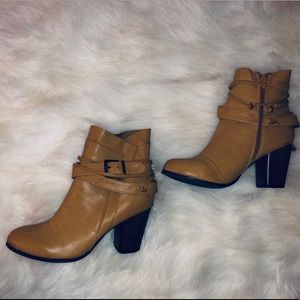 Shoes - ❣️ Mustard Camel ankle boot